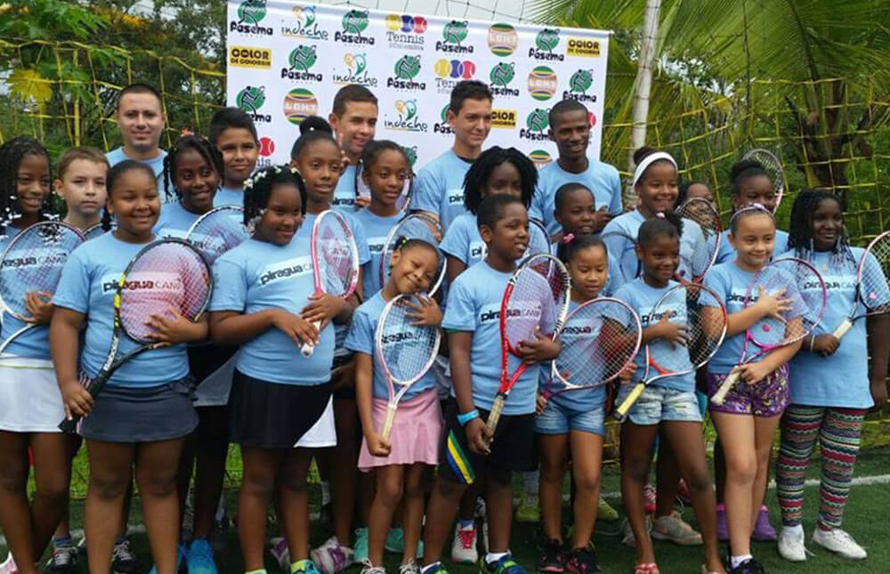 Tennis-for-colombia-fundacion-grupo-ni+¦os